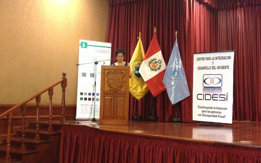 Foto que muestra la mesa de expositores en el marco de la FIL Lima organizado por CIDESI